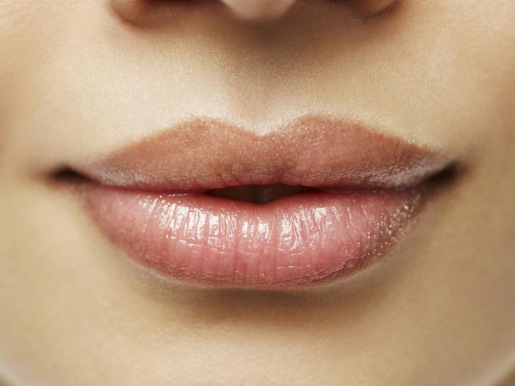 Фото №1 - Как улучшить форму губ без филлеров и инъекций в любом возрасте