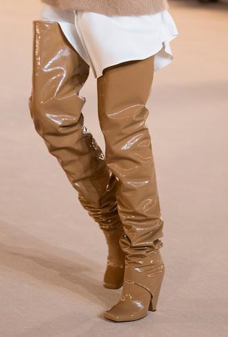 Фото №5 - Самая модная обувь осени и зимы 2020/21