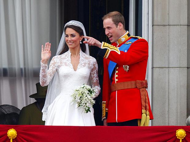 Фото №37 - Самые трогательные моменты королевских свадеб (о Гарри и Меган мы тоже не забыли)