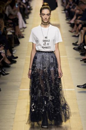 Фото №2 - От принта: какую футболку надеть, чтобы быть в тренде