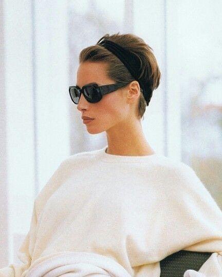 Фото №9 - Соберите волосы: 10 простых причесок для жары