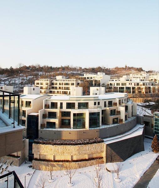 Фото №1 - Джин из BTS приобрел роскошные апартаменты
