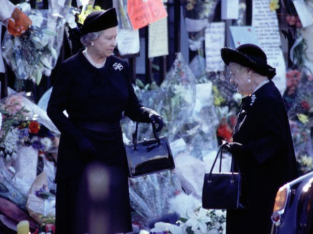 Фото №4 - Трагическое совпадение: почему королеве-матери пришлось увидеть «свои собственные похороны»