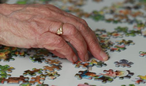 Фото №1 - Врачи назвали самые опасные лекарства для пожилых