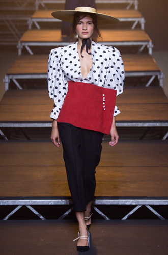 Фото №24 - Fashion director notes: май – что-то старое, что-то новое, что-то голубое