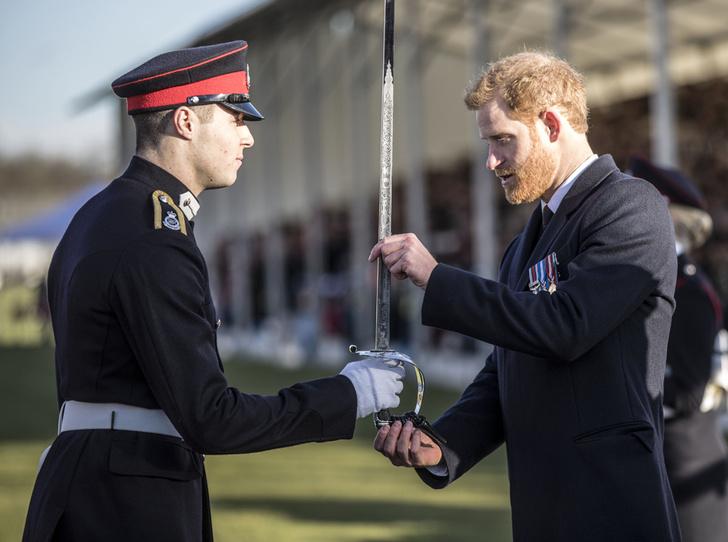 Фото №1 - На свадьбе принца Гарри и Меган Маркл запретили шпаги (и еще кое-что)