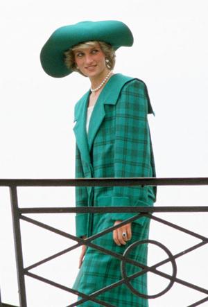 Фото №28 - Никто не идеален: самые неудачные наряды принцессы Дианы