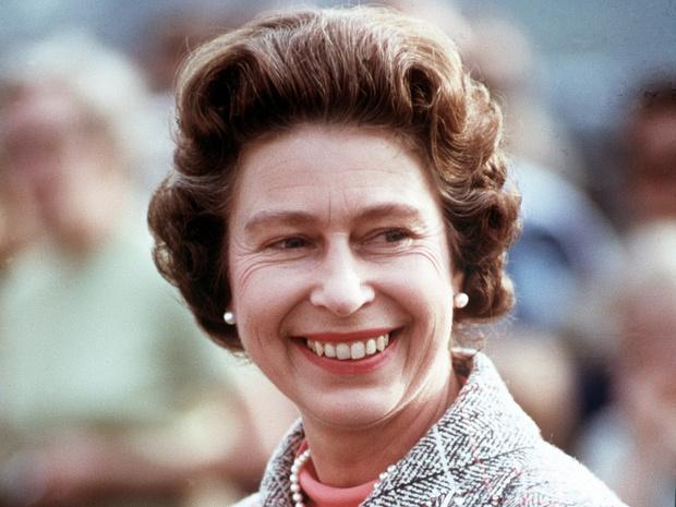 Фото №1 - Ее Бунтарское Величество: 8 раз, когда Королева нарушала протокол и меняла традиции
