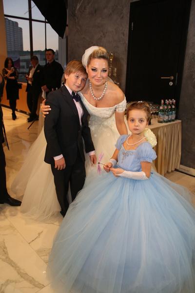Мария Максакова с детьми от первого брака