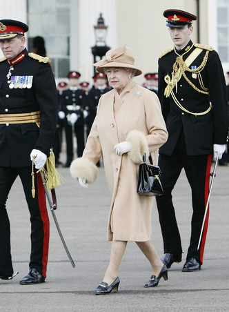 Фото №19 - Одним цветом: как королевские особы носят монохромные образы— 30 вдохновляющих примеров