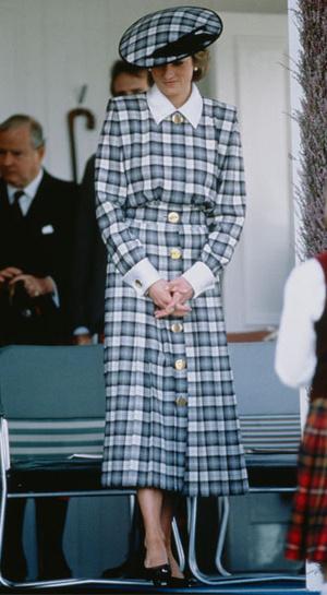 Фото №23 - Никто не идеален: самые неудачные наряды принцессы Дианы