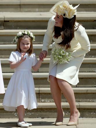 Фото №11 - Мамина дочка: 11 раз, когда Кейт и Шарлотта появлялись в парных образах
