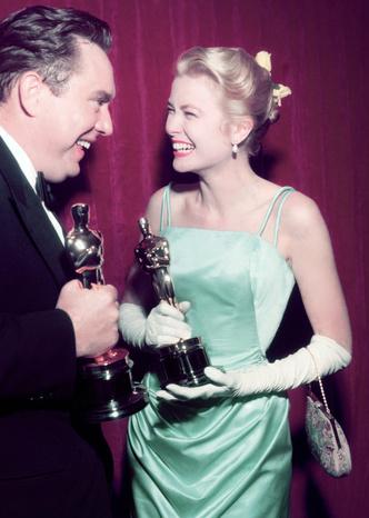 Фото №3 - Длинные перчатки: громкое возвращение тренда Золотого Голливуда