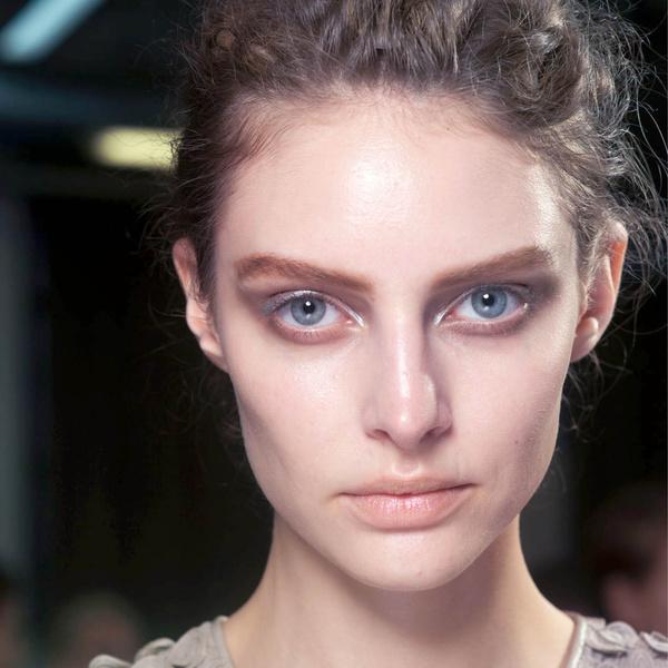Фото №1 - Как сделать модный макияж, с которым не стыдно показаться в школе или универе