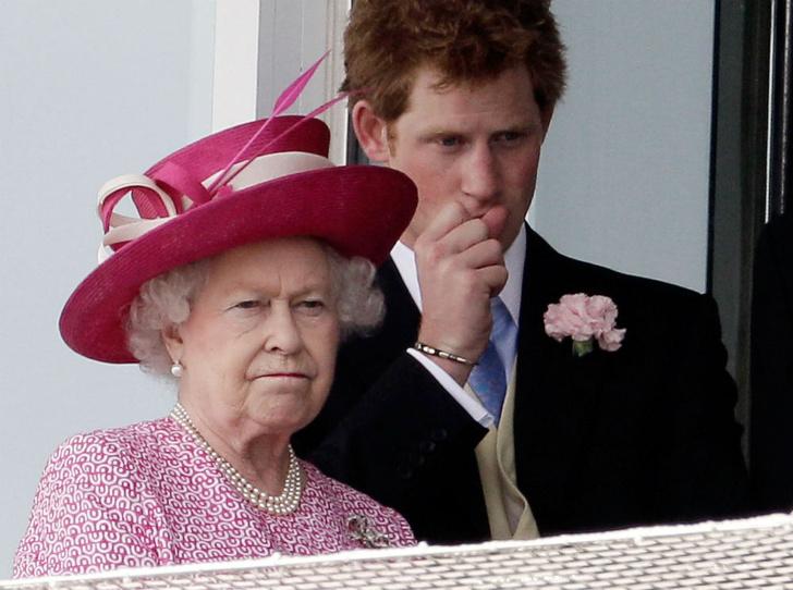 Фото №4 - Меган Маркл сможет называть королеву «мамой» (но это не то, о чем вы подумали)