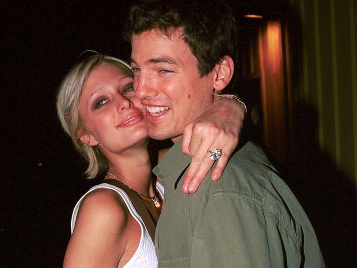 Фото №4 - Пэрис Хилтон выходит замуж! Рассматриваем новое кольцо и вспоминаем 3 предыдущих