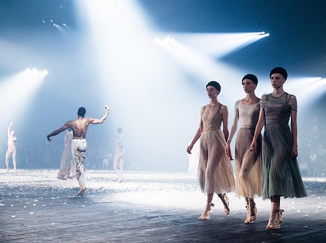 Фото №2 - Искусство танца в новой коллекции Dior SS 2019