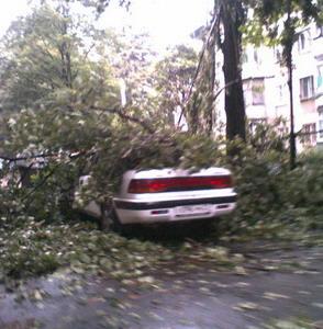 Фото №1 - Ураган пронесся над Казанью