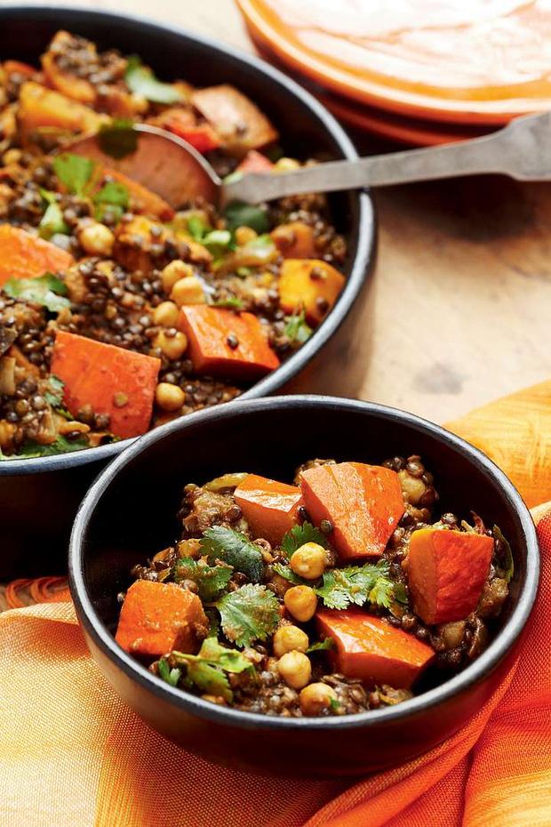 Фото №2 - Легко и вкусно: 7 блюд, которые содержат не больше 300 калорий