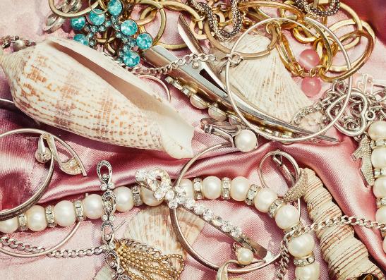 Фото №1 - Miss Selfridge представляет лимитированную коллекцию украшений