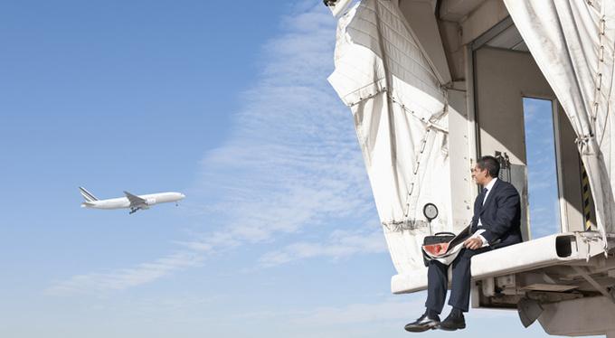 Страх полетов: 3 совета, как его побороть