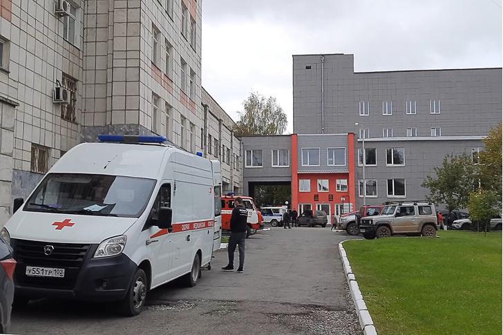 Фото №4 - Студенты выпрыгивали из окон: 18-летний ученик устроил стрельбу в Пермском университете