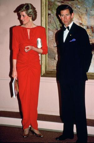 Фото №12 - 70 красных нарядов: как принцесса Диана носила любимый цвет