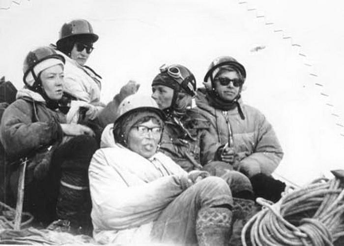 Фото №4 - «Через 15 минут мы все умрем»: трагическая гибель 8 советских альпинисток, или притча о женской гордости?