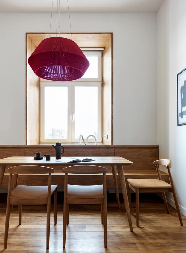Фото №4 - Модная деталь: банкетки и скамейки в столовой