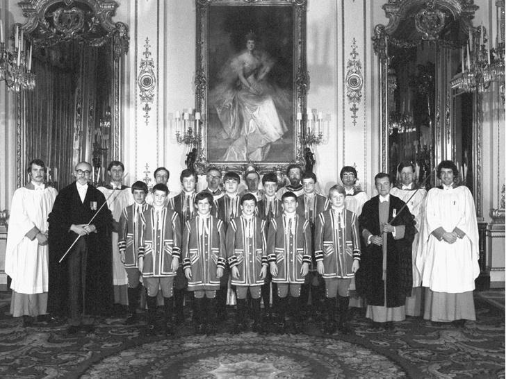 Фото №6 - История в фотографиях: какими были крестины принца Уильяма, и кто стал крестными родителями будущего короля