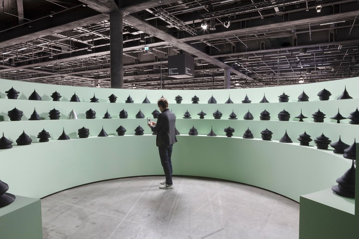 Фото №1 - Популяционные пирамиды Матье Леаннера на Art Basel
