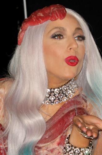 Фото №41 - Как хорошела Леди Гага: все о громких бьюти-экспериментах звезды