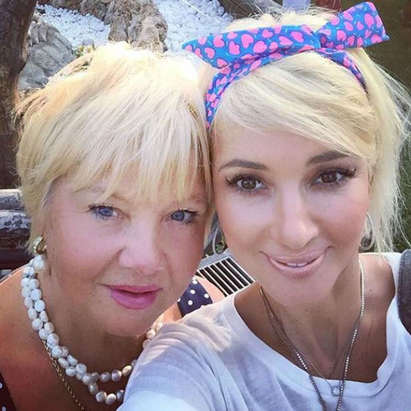 Фото №1 - «У тебя вся жизнь впереди!»: Лера Кудрявцева вспомнила, как мать отговаривала ее рожать сына в 18 лет