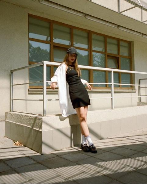 Фото №2 - Как добавить изюминки школьному луку: учимся у Саши Спилберг
