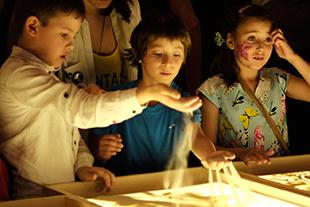 Фото №5 - «Жизнь как чудо» и компания «Эвалар» провели благотворительный семейный праздник