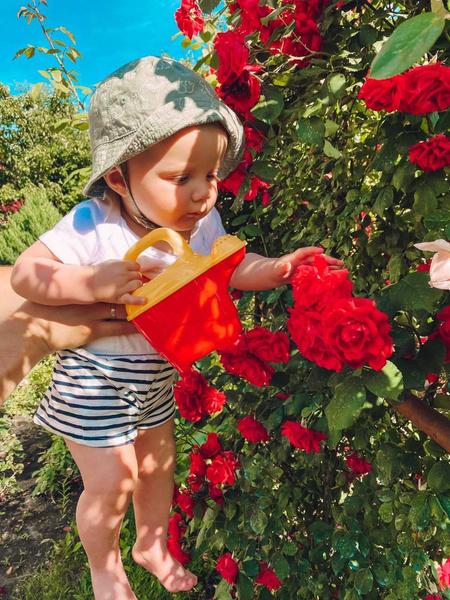 Фото №21 - Дачные радости для малыша: голосуем за самое яркое детское фото