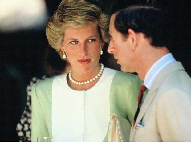 Фото №1 - Кошмар принцессы: почему Диана не хотела разводиться с Чарльзом