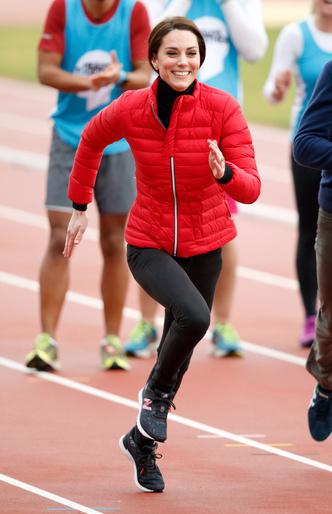 Фото №12 - Любимые кроссовки герцогини Кейт: от спортивных до повседневных
