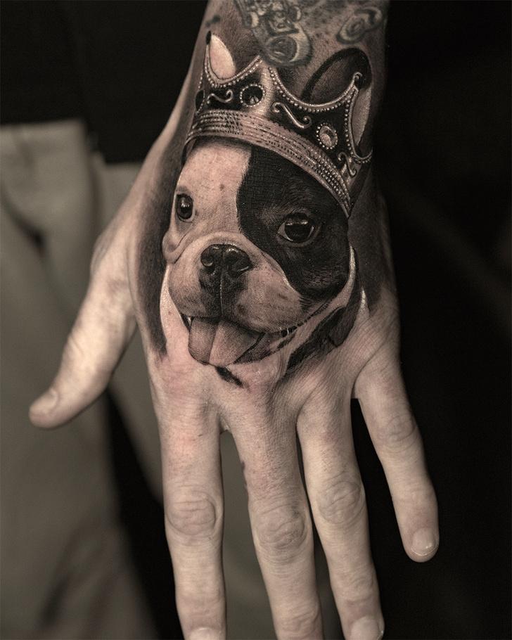 Фото №6 - Бить или не бить? Ответы на 11 caмых важных вопросов для тех, кто хочет сделать татуировку