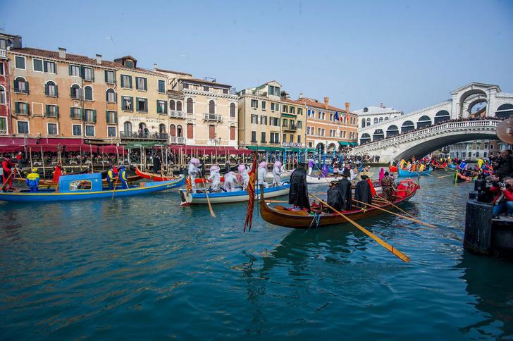 Фото №1 - В Венеции ограничили передвижение по Большому каналу