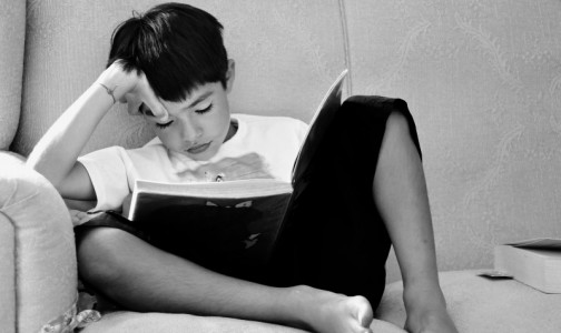 Фото №1 - Плаксивость и бледная кожа: Онколог - о том, как вовремя распознать рак крови у ребенка