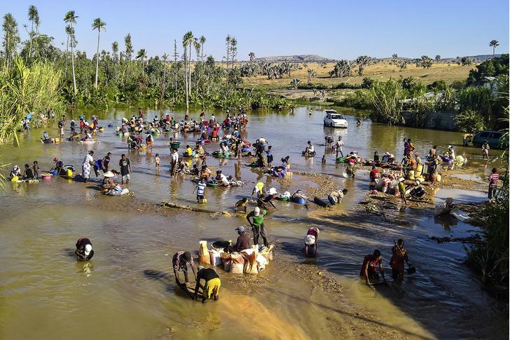 Фото №12 - Распилить поровну: деревня фуа-гра, кирпичи на самогоне и алюминиевая столица Мадагаскара