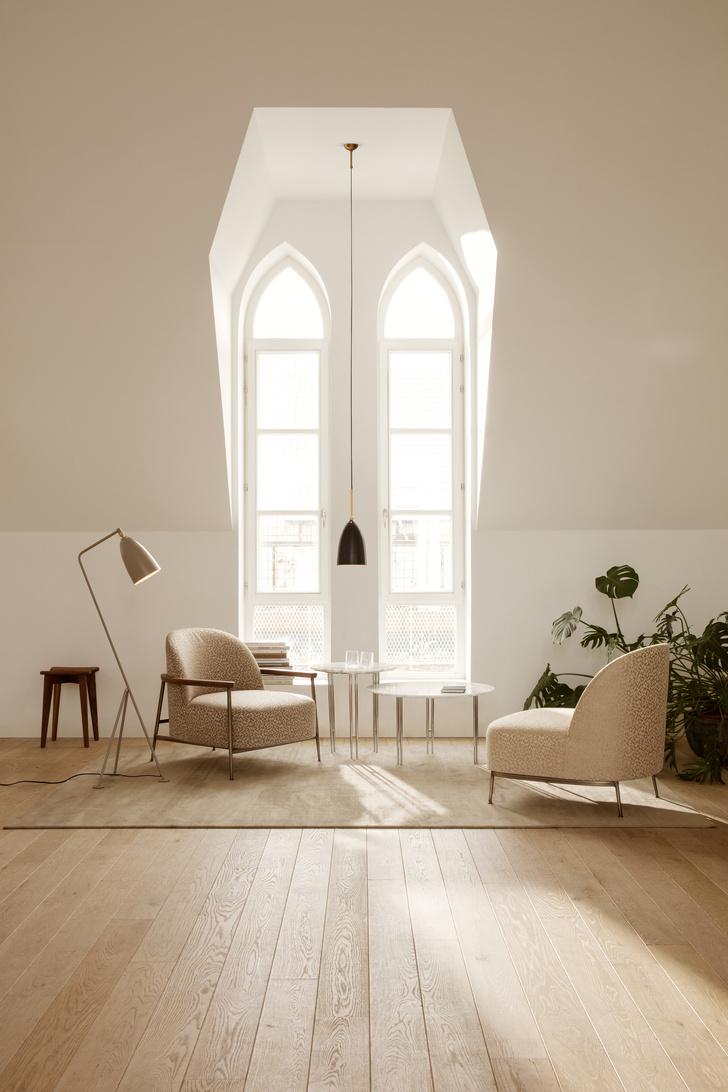 Фото №2 - Кресло Sejour по дизайну GamFratesi для Gubi