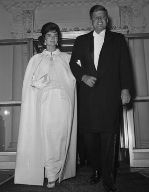 Фото №12 - «Секретарь стиля» Олег Кассини: как создать гардероб для Жаклин Кеннеди и влюбить в себя Грейс Келли
