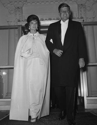 Фото №4 - Модный список Первой леди: любимые бренды Жаклин Кеннеди