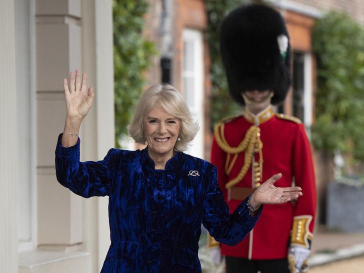 Фото №1 - От народной ненависти до обожания: как герцогиня Камилла заставила всех полюбить себя