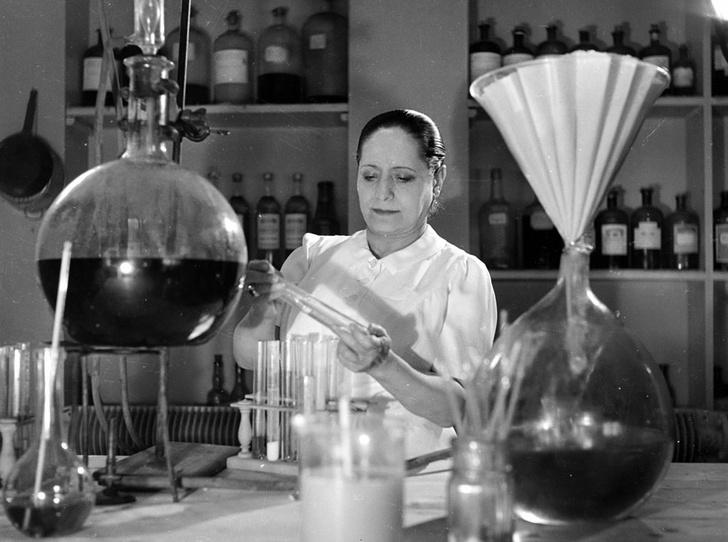 Фото №5 - Как Элена Рубинштейн построила карьеру на мамином креме