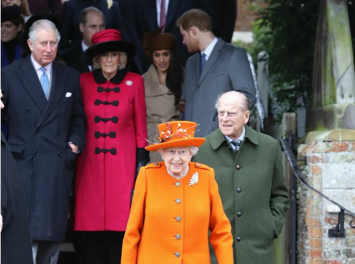 Фото №2 - Предательство Гарри: за что Королева и принц Чарльз не могут простить герцога Сассекского