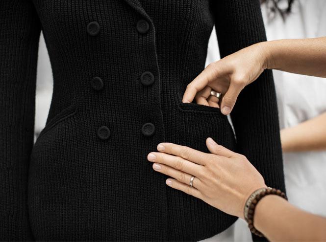 Фото №2 - Возрождение классики: как создавался новый вязаный жакет Bar от Dior