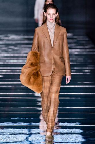 Фото №34 - От классики до сочных красок: лучшие костюмы с Недели моды в Нью-Йорке